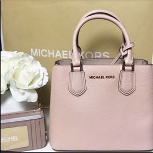 Michael Kors Adele Bag and Coin Pouch for Sale in Kirkland, WA