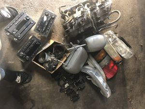 Random 2005 Chevy Tahoe z71 parts for Sale in Chicago, IL
