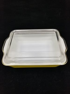 Vintage 1947 Pyrex Yellow Refrigerator Dish #503 with Lid for Sale in Ocean Shores, WA
