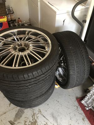 24 inch universal 6 lug rims for Sale in Clearwater, FL