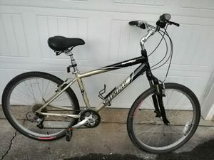 Specialized Expedition Deluxe hybrid comfort bike for Sale in Bellevue, WA