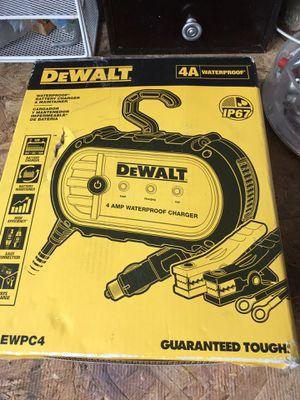 DEwalt battery charger for Sale in Grand Rapids, MI