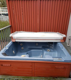 Hot tub for Sale in Winfield, IN