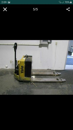Electric pallet jack yale & forklift for Sale in Long Beach, CA