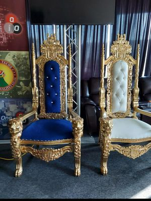King chair for Sale in Los Angeles, CA
