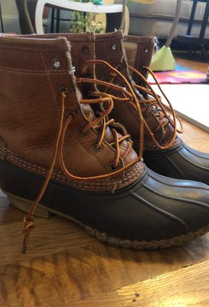 Women's size 8 bean boots for Sale in Somerville, MA