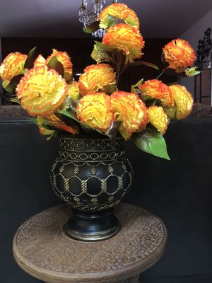 Home decor- planet pot with flowers for Sale in Glendale, AZ