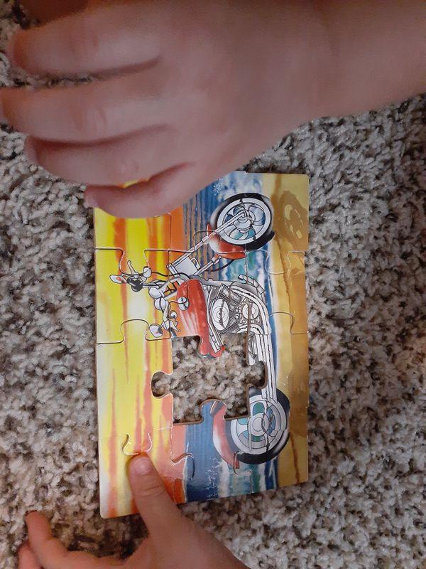 Little kid puzzle lot