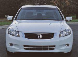 sedan automatic Honda Accord White clean title for Sale in Tulsa, OK