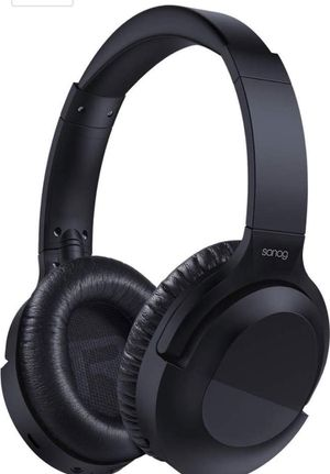 Noice cancelling wireless bluetooth headphones for Sale in Randolph, MA