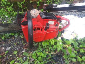 Craftsman old 18inch chainsaw for Sale in Steubenville, OH