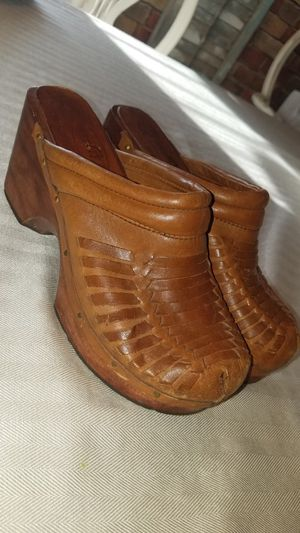 Vintage leather clogs! Ladies 7B for Sale in Freeland, PA