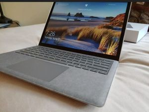 "Microsoft Surface Laptop 3 13"" 10th Gen i5 8GB 128GB for Sale in Bolingbrook, IL"