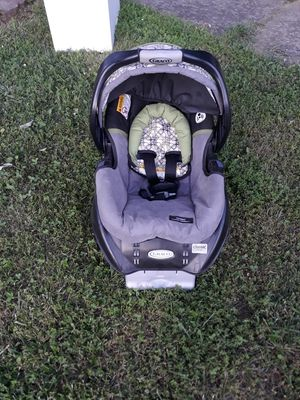 Baby Carrier car seat for Sale in Lexington, KY