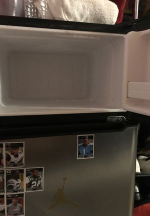Mini fridge in very Good condition for Sale in New York, NY