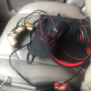PS4 Slim 1tb for Sale in Cleveland, OH