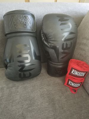 Venum 12oz Boxing gloves with wraps for Sale in Las Vegas, NV