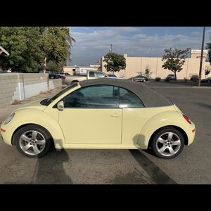 VW 2006 Yellow for Sale in Fresno, CA