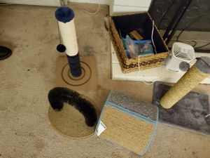 Free Cat Stuff for Sale in South Pasadena, CA