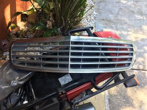 2003-2009 Mercedes E class front grille for Sale in Orlando, FL