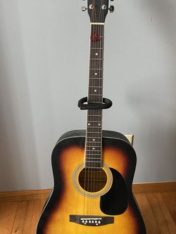 Crestwood Acoustic Guitar W/ Stand And Case for Sale in Broadview Heights,  OH