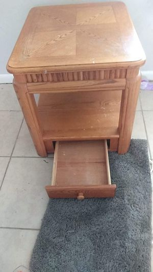 Wooden end/coffee table for Sale in Lake Wales, FL