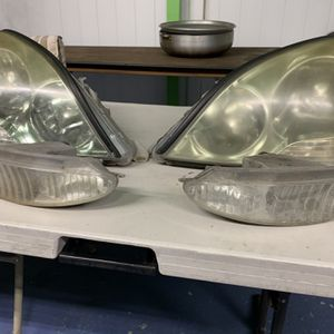 2001-2003 LS430 Headlight And Fog Light for Sale in Queens, NY