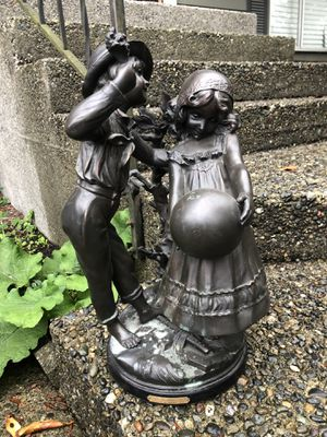 "August Moreau ""Enjoue"" statue collectible for Sale in Everett, WA"