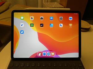 iPad Pro 11-inch with LTE (2018) for Sale in Los Angeles, CA
