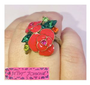 """Betsey Johnson """"FLOWER 🌺 POWER!"""" Super cute bright pink 🌺 ring size 6 NEW! for Sale in Carrollton, TX"""