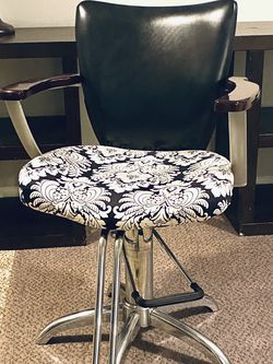 Salon Chair for Sale in Tigard,  OR