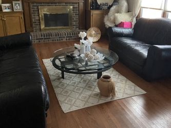 ITALIAN LEATHER SOFA AND LOVE SEAT FOR SALE for Sale in Lilburn,  GA