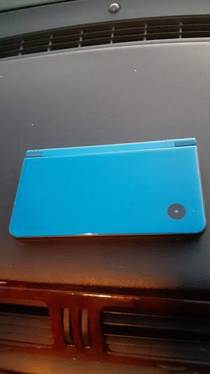 3DS XL red and DS XL I edition blue for Sale in Pico Rivera, CA