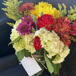 Flower Delivery- Send Flowers Anywhere In Fulton Or Cobb County for Sale in Atlanta, GA