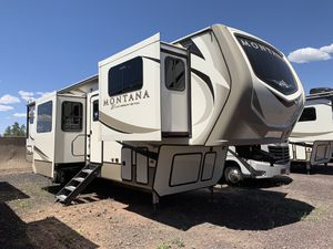 2019 Keystone Montana 3761FL Fifth Wheel 5th for Sale in Lakeside, AZ