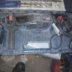 Bosch Rotary Hammer Drill With Attachments/Drill Bits/ for Sale in Glendale, AZ