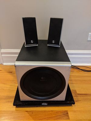 Logitech Z2300 Speakers, Subwoofer, and Subwoofer Pad for Sale in Chicago, IL