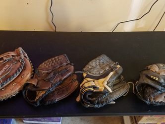 Baseball Gloves for Sale in Snohomish,  WA
