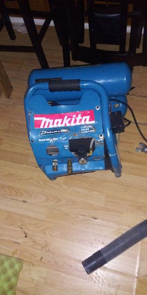 Makita compressor for Sale in Burien, WA
