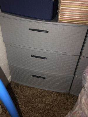 Plastic drawers dresser for Sale in Fresno, CA