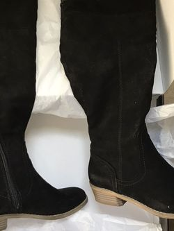 Guess Aikon Woman's Boots (Black) Sz6 M Width for Sale in Dallas,  TX