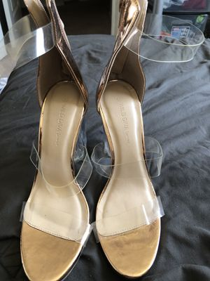 Woman's rose gold and clear heels for Sale in Mesa, AZ