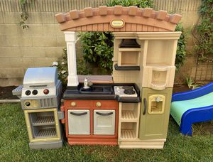 Little Tikes play kitchen w/grill attached for Sale in Placentia, CA