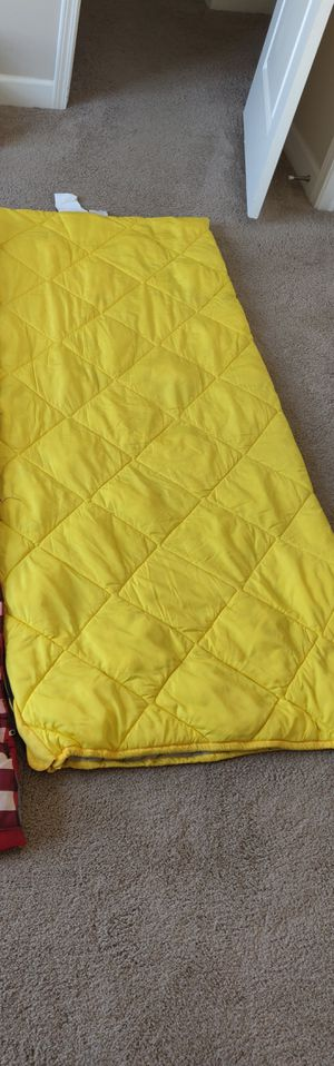 Sleeping bag 6 foot for Sale in Hilliard, OH