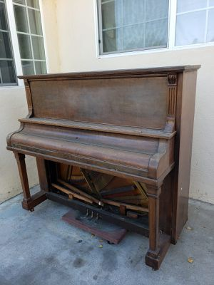 FREE Bell-Tone Piano Pick up only for Sale in Whittier, CA