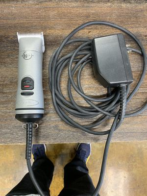 Andis BGRC Detachable clipper with cordless option/Detachable cord OBO for Sale in San Diego, CA