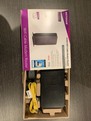 Netgear WiFi router for Sale in Los Angeles, CA