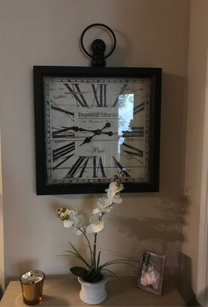 MODERN ANTIQUE CLOCK for Sale in Los Angeles, CA