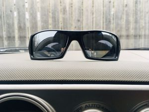 OAKLEY GASCAN SUNGLASSES-Black Frame W/Iridium Polarized Lenses for Sale in Wichita, KS