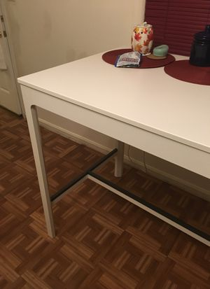 High kitchen table in very good shape! for Sale in Hyattsville, MD